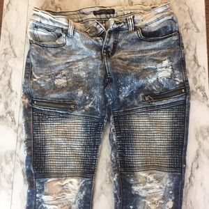 Acid washed Jeans with holes